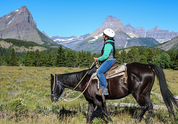 happiness-on-a-horse-in-many-glacier
