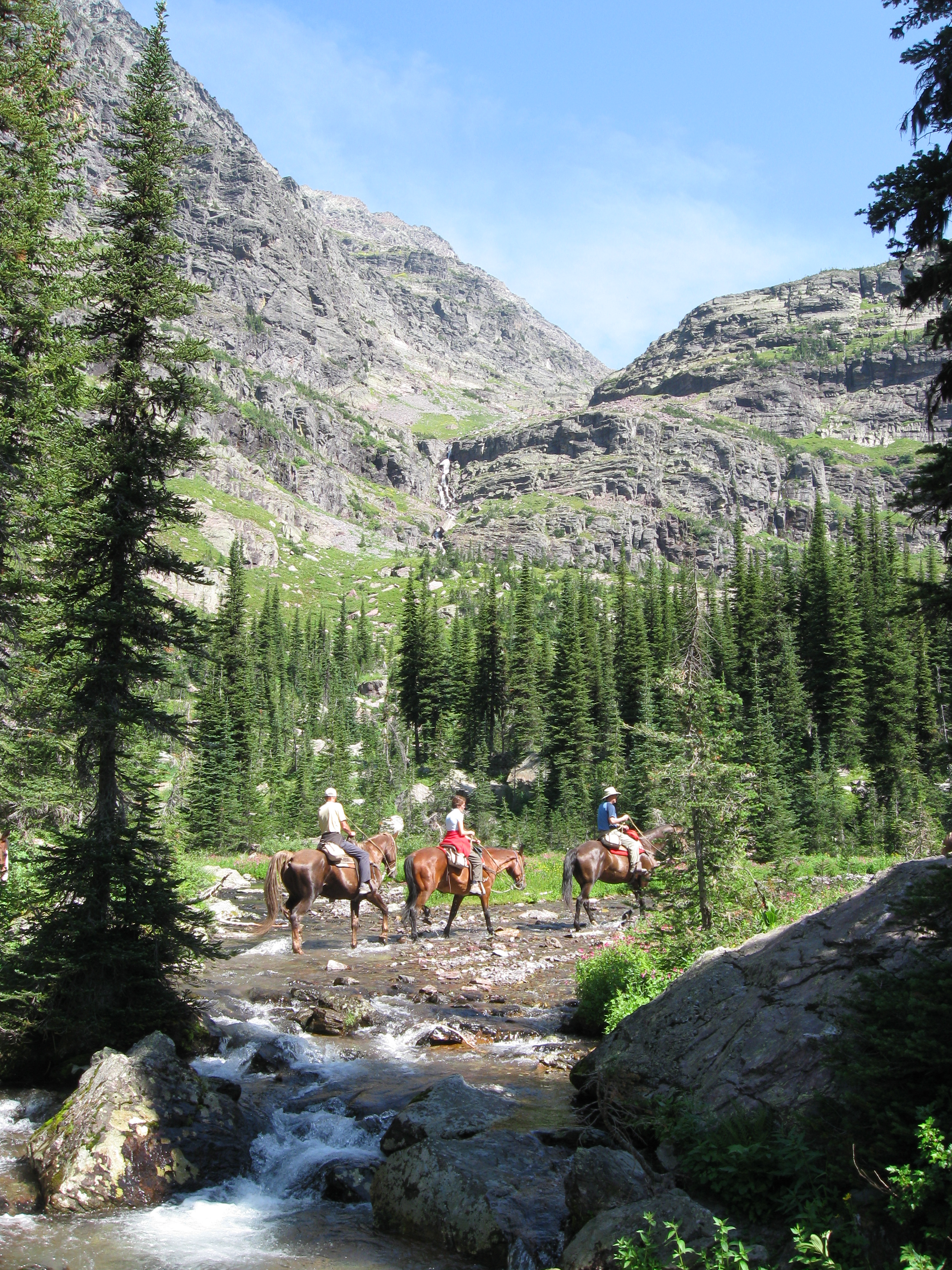 glacier-national-park-trail rides